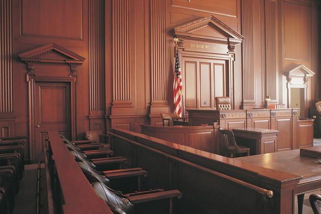 """<img src=""""judge rinder.png"""" alt=""""legal apprenticeships vs university """">"""