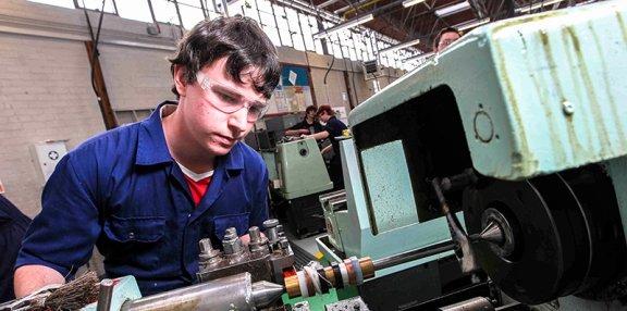 brooklands college apprenticeships manufacturing engineering